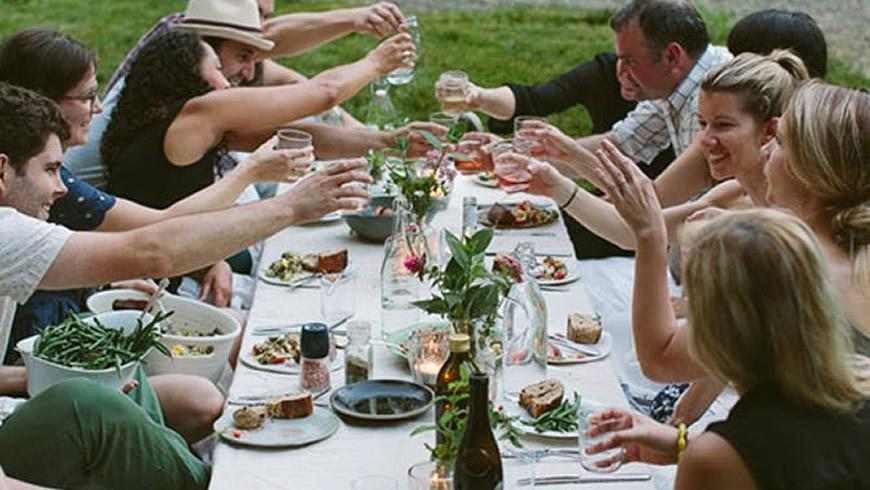 How to entertain guests on a budget