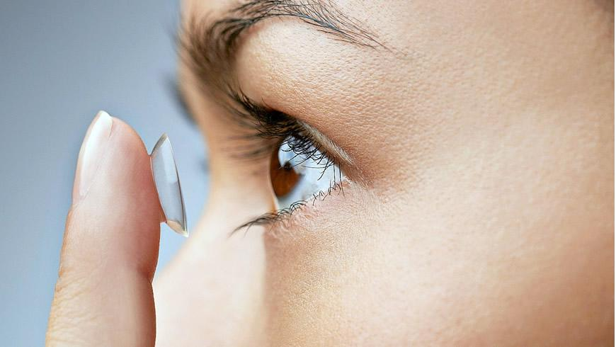 ​How to wear a contact Lens
